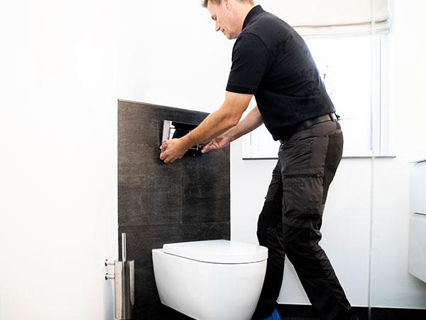 Opsætning af nyt WC i badeværelse